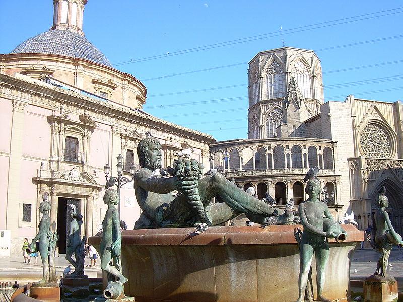 viajes de valencia a ibiza: