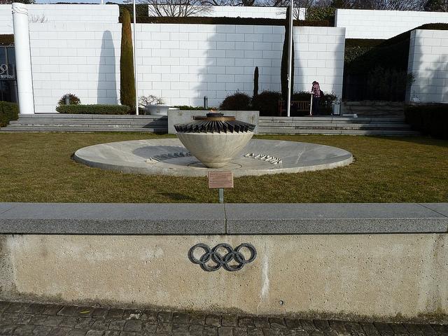 llama olimpica en Suiza