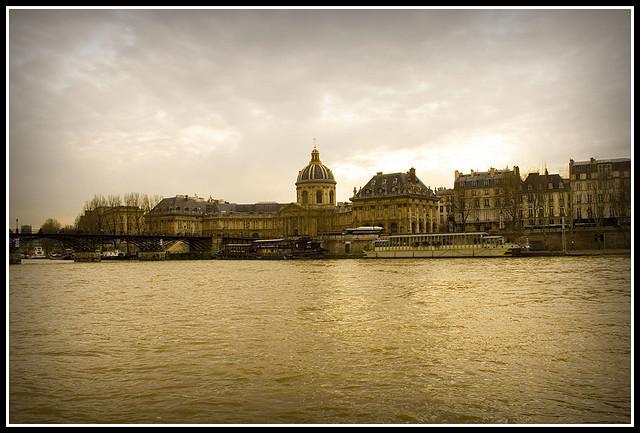 desyunar en el Sena, Francia
