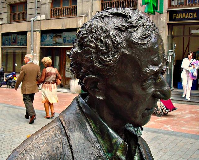 estatua Woody Allen en Oviedo