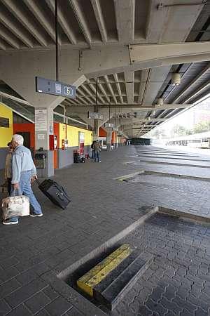 estacion autobuses madrid granada: