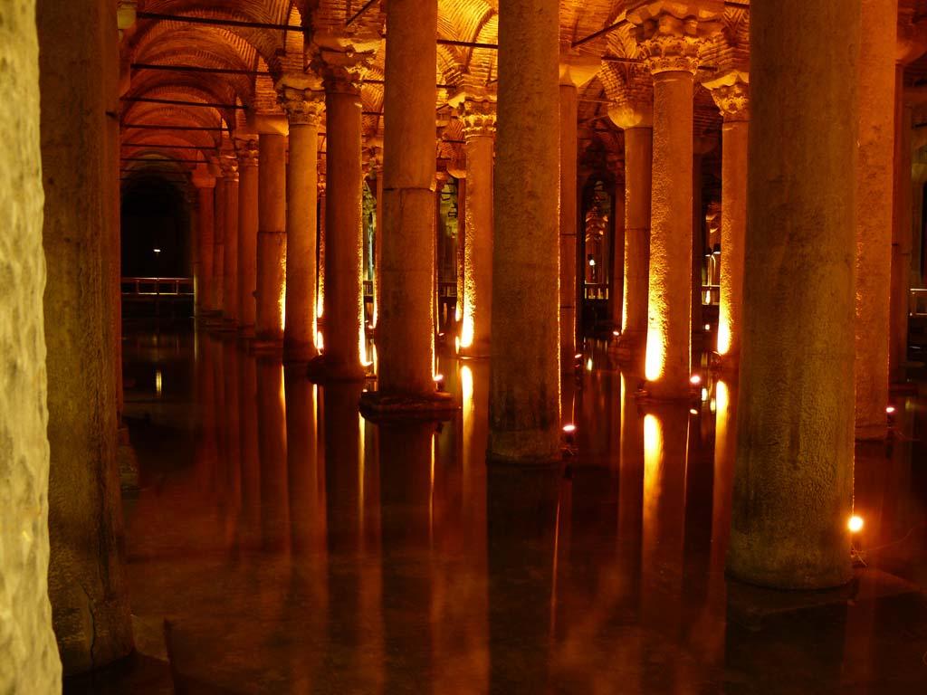 La cisterna basilica estambul for Lo espejo 0847 la cisterna